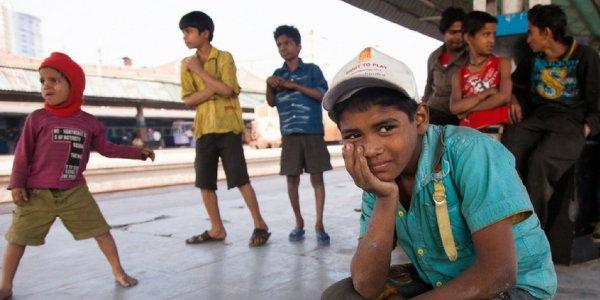 bambinidistradasealdahindiatheguardian